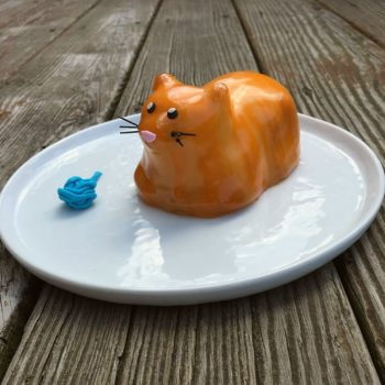 Cat shaped cake mould
