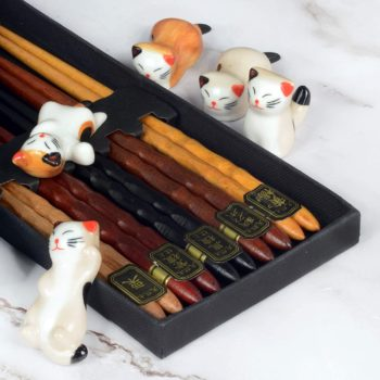 Chopstick with 5 pcs rest cat holder
