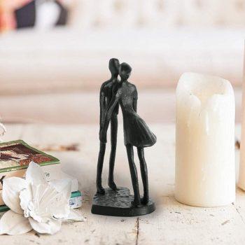 Couple art sculpture