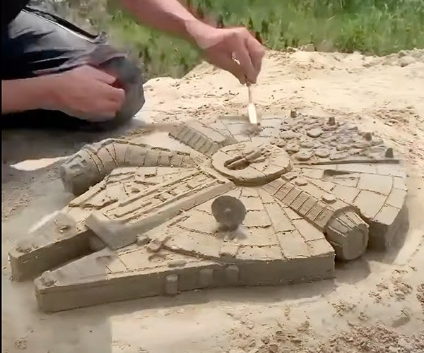Millennium Sand Falcon