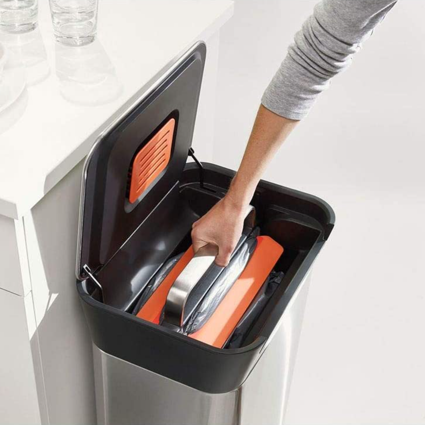 trash can compactor